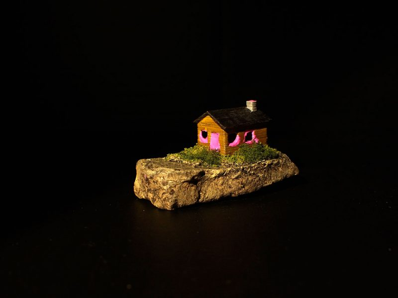 Odd Experiment #004: Bubblegum House